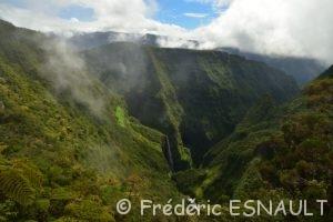 La Cascade du Trou de Fer à la levée des nuages